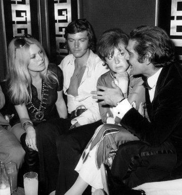 Bardot---Patrick-Gilles---Regine-et-Omar-Sharif--Deauville